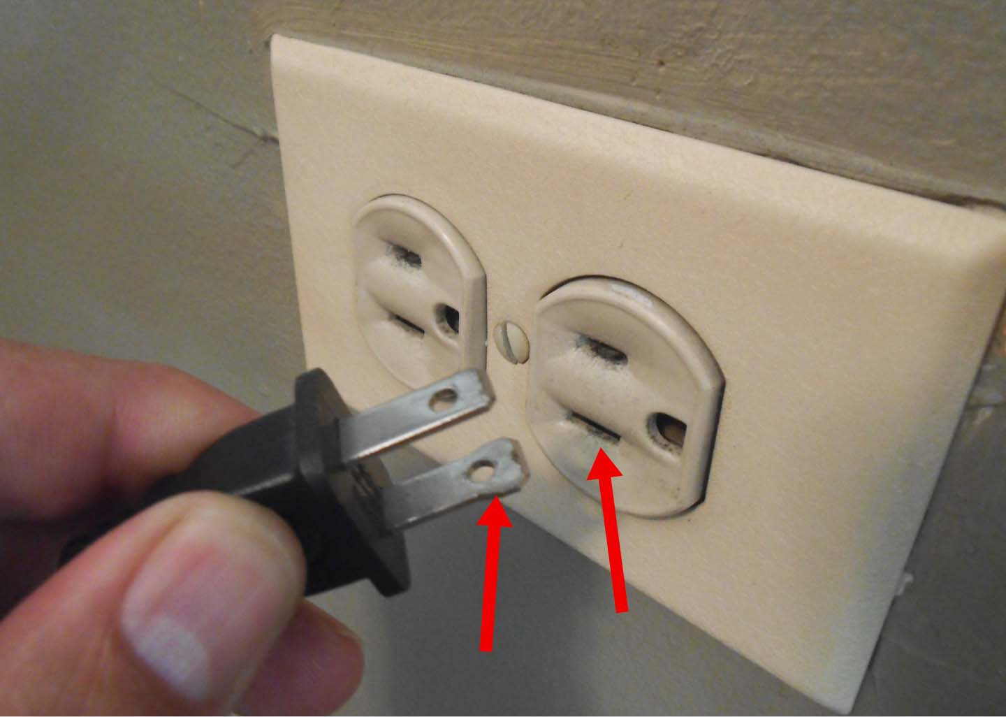 Electrical Wiring In The Home Outlet Question Neutral Wire Hot Wire